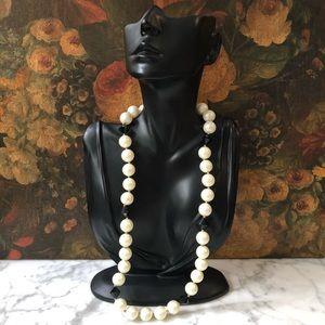 🔥 Vintage Faux Pearl Necklace